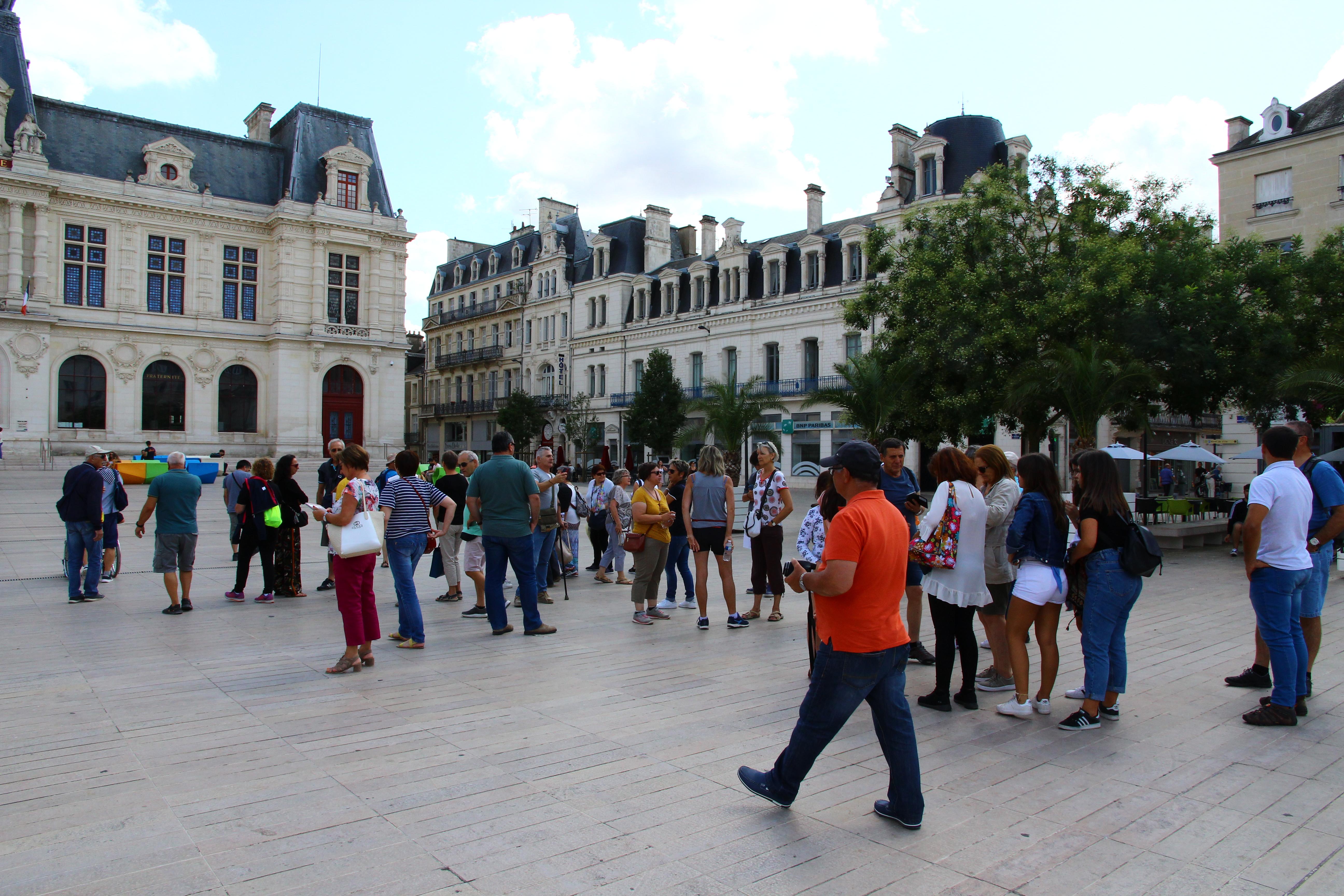 03-MARDI-ilot-ison-Poitiers-Hotel-de-Ville-IMG_2645